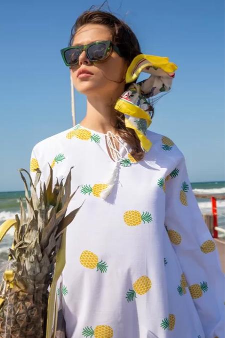 Melike Tatar Beyaz Ananas Meyve Desenli Elbise