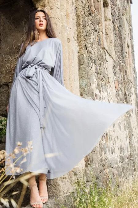 Melike Tatar Gri Simli Elbise